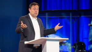 Mark Dever – Why God Became Man – Hebrews 2:9-18